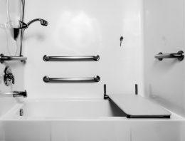 Ako si zariadiť panelákovú kúpeľňu?